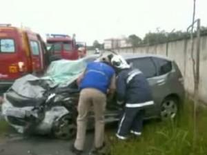 Acidente deixou três feridos em Curitiba na manhã deste sábad