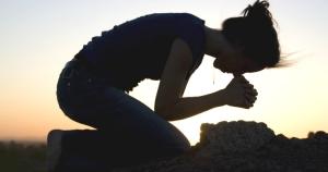 Pesquisadores descobriram que a crença na espiritualidade pode criar no córtex uma barreira física contra a doença